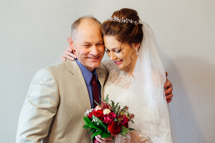 bride-and-her-dad
