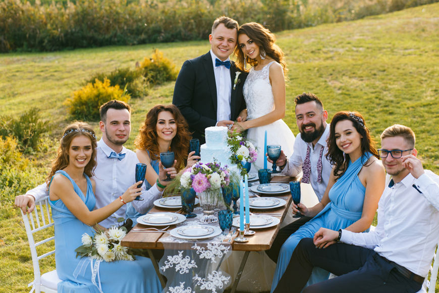 wedding-couples-with-their-friends