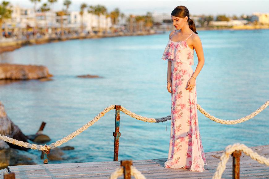 Larisa-wears-a-long-pink-dress