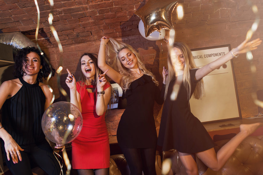 girls-in-the-homecoming-party