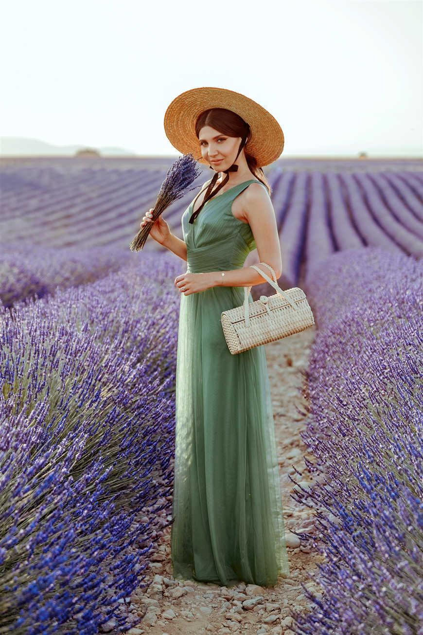 larisa-stands-in-seas-of-lavender