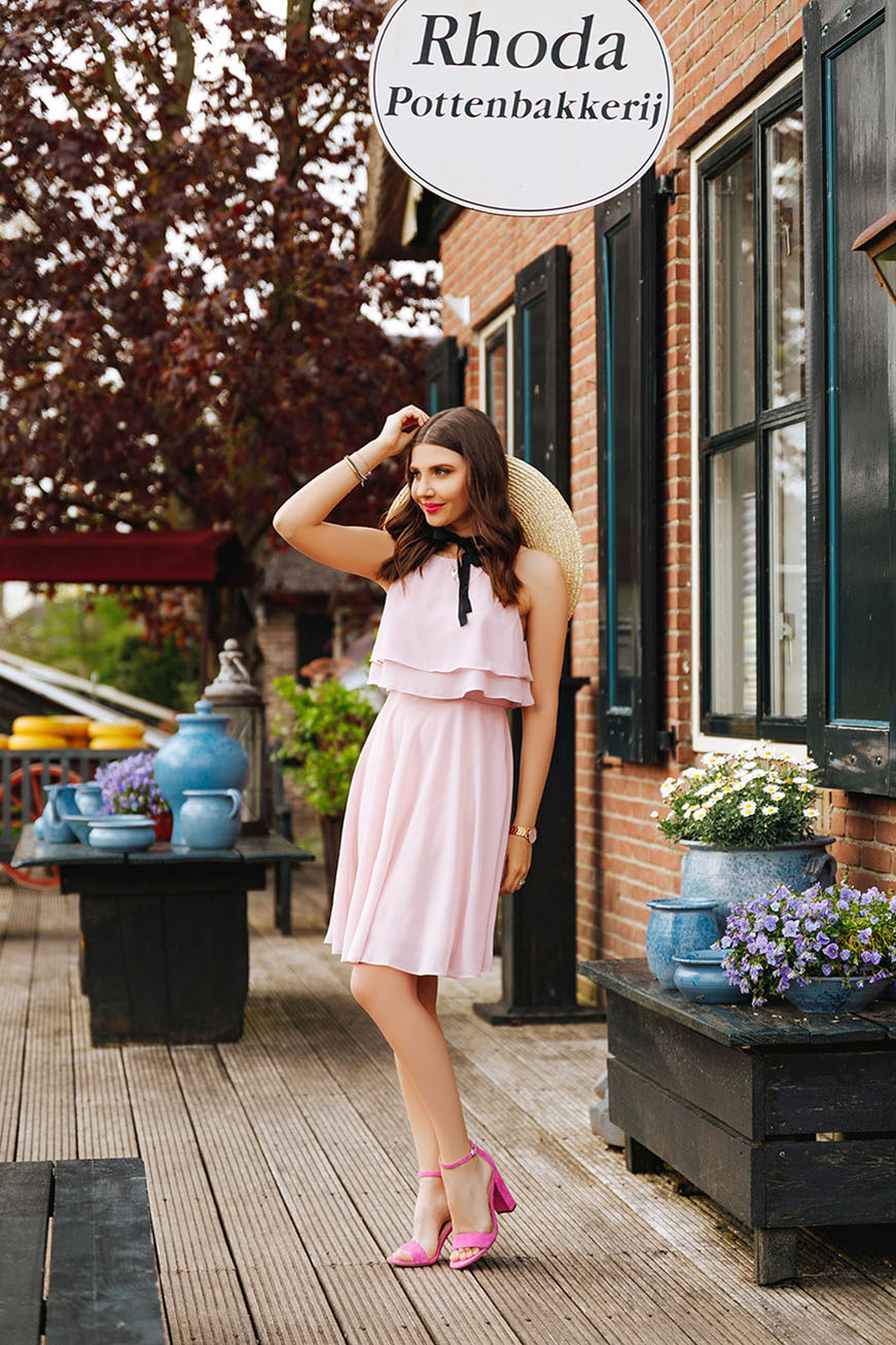 Larisa-with-ever-pretty-short-flowy-pink-dress