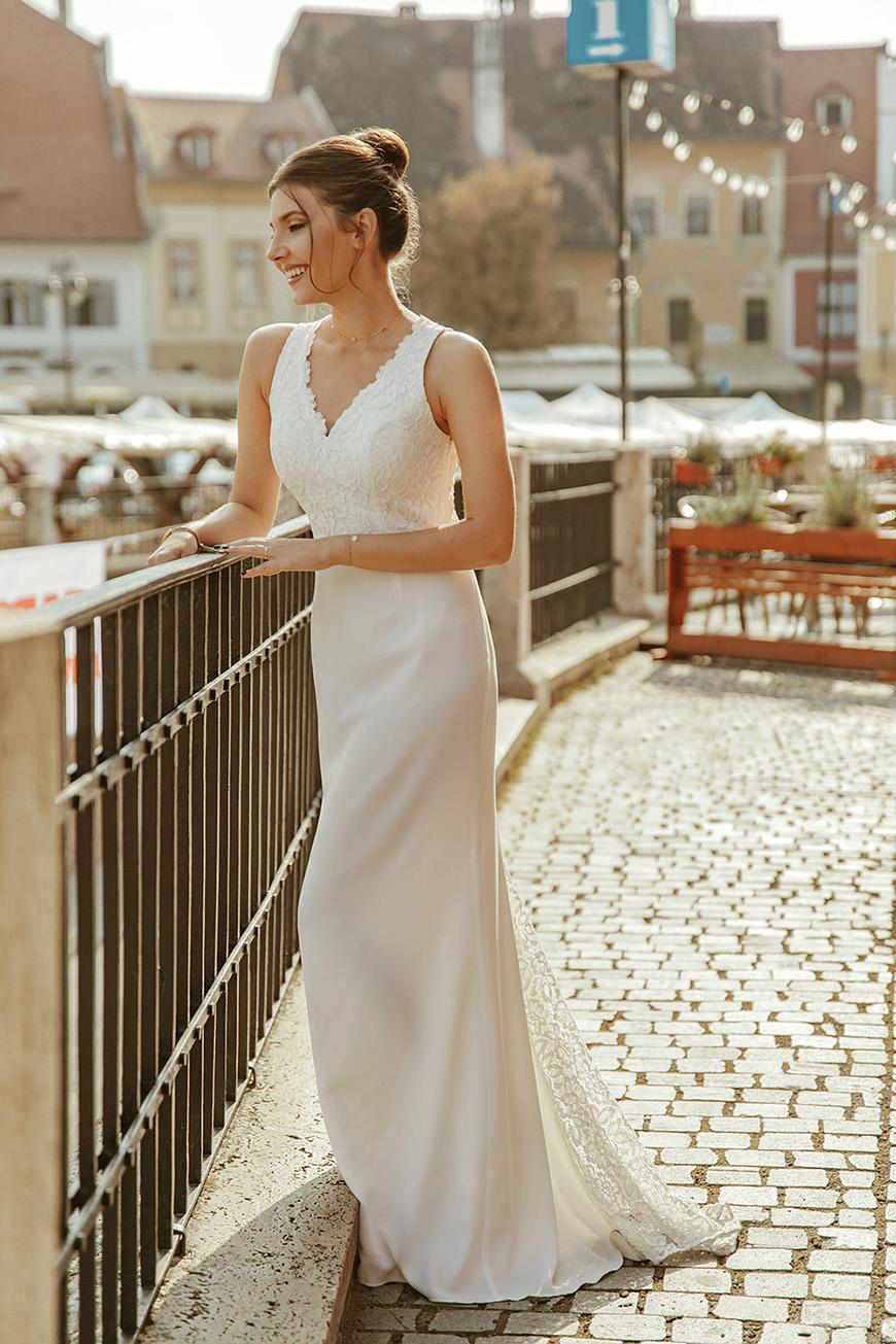 larisa-in-ever-pretty-dress