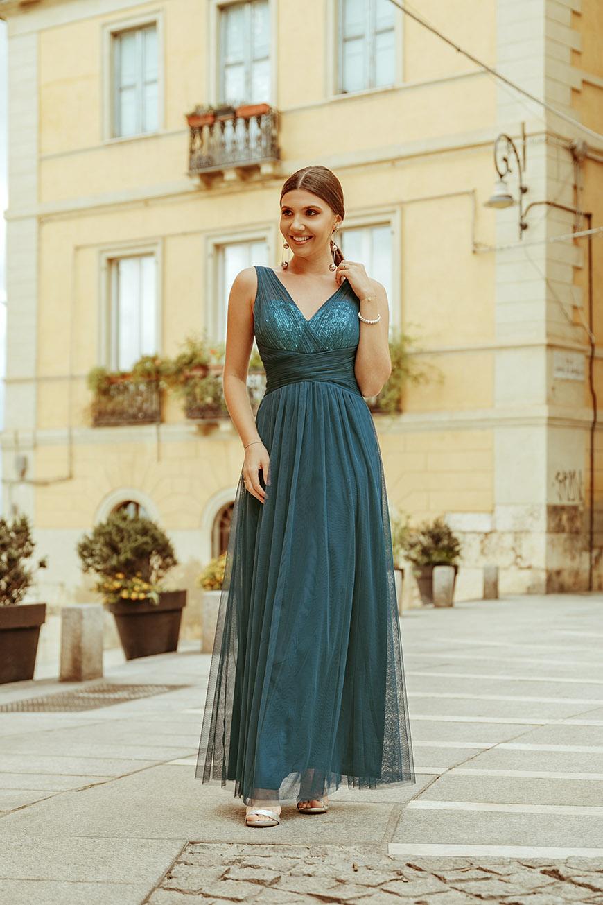 Larisa-in-dress