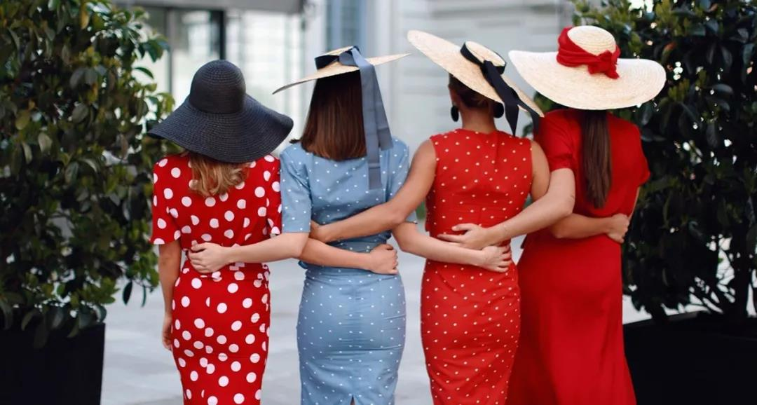 four-girls-wear-different-polka-dot-dresses