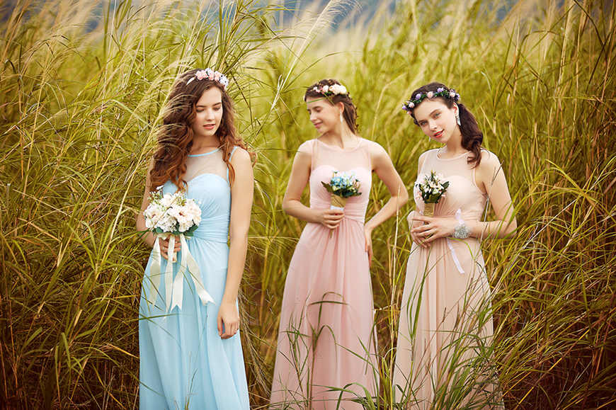 girls-wearing-beautiful-bridesmaid-dresses