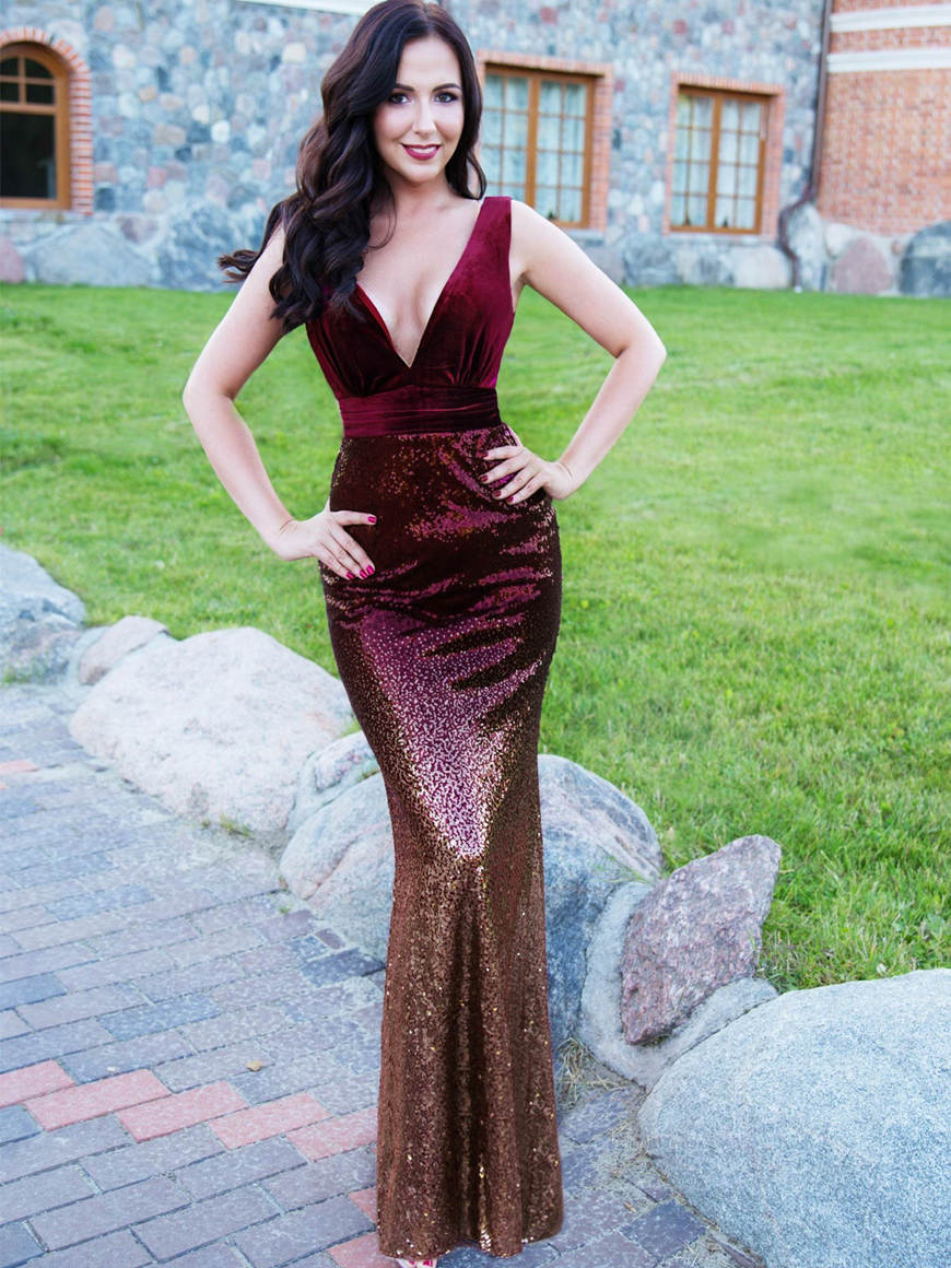 a-burgundy-bodycon-evening-dress