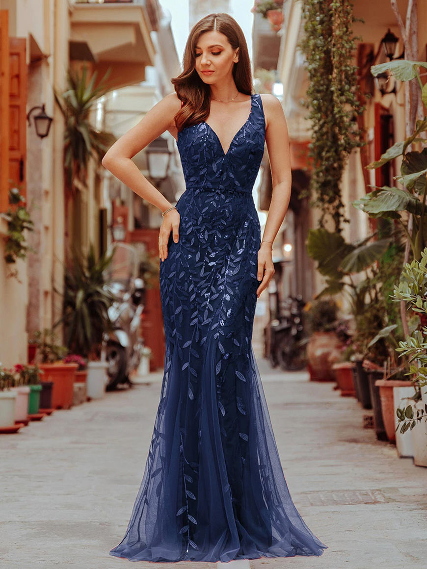 a-navy-blue-evening-dress