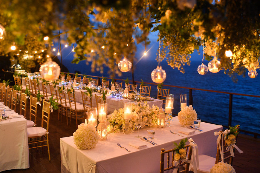 beach-wedding-dinner-table