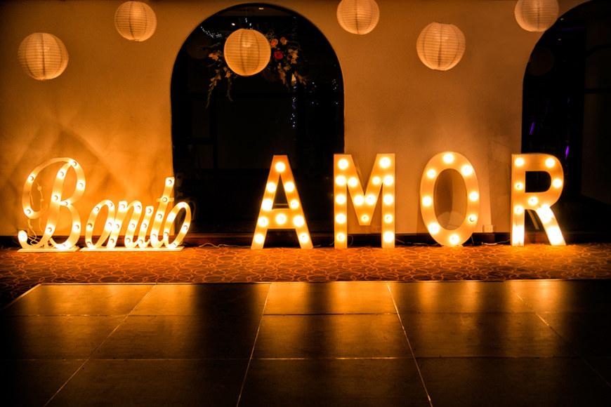 big-sign-of-amor