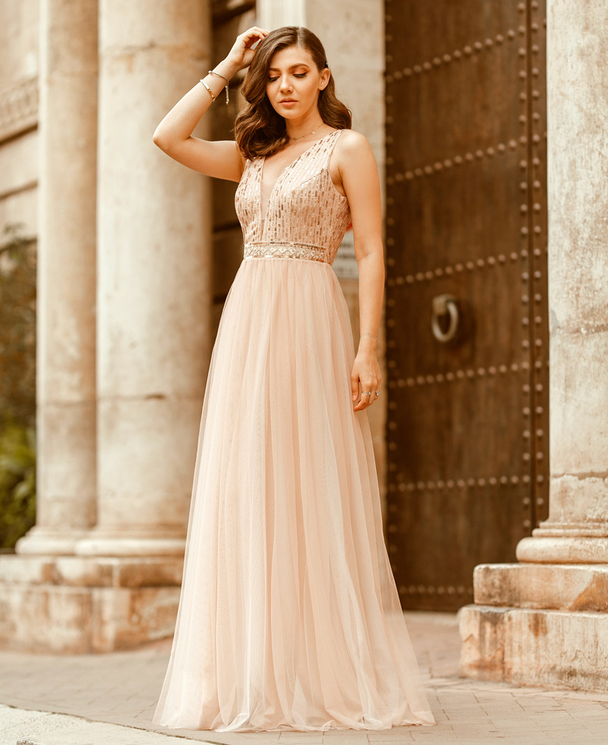 a-beautiful-prom-dress