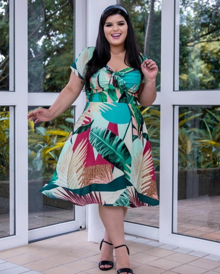 a-floral-prints-plus-size-prom-dress