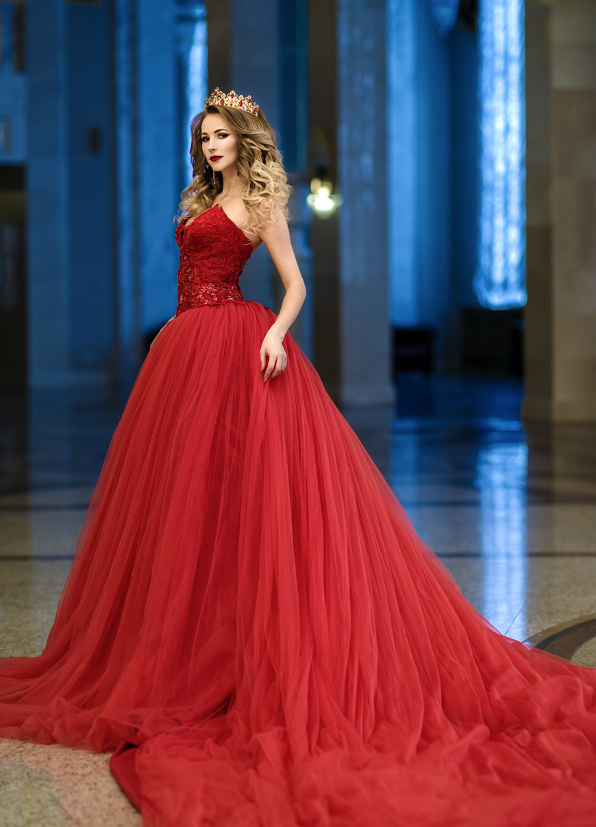 a-modern-ball-gown-style-prom-dress