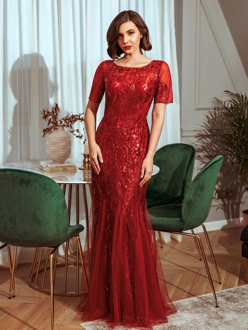 llarisa-in-burgundy-dress