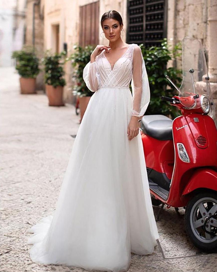 a-puffy-sleeves-wedding-dress