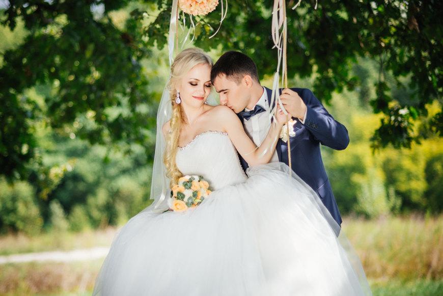 a-spring-style-wedding-dress