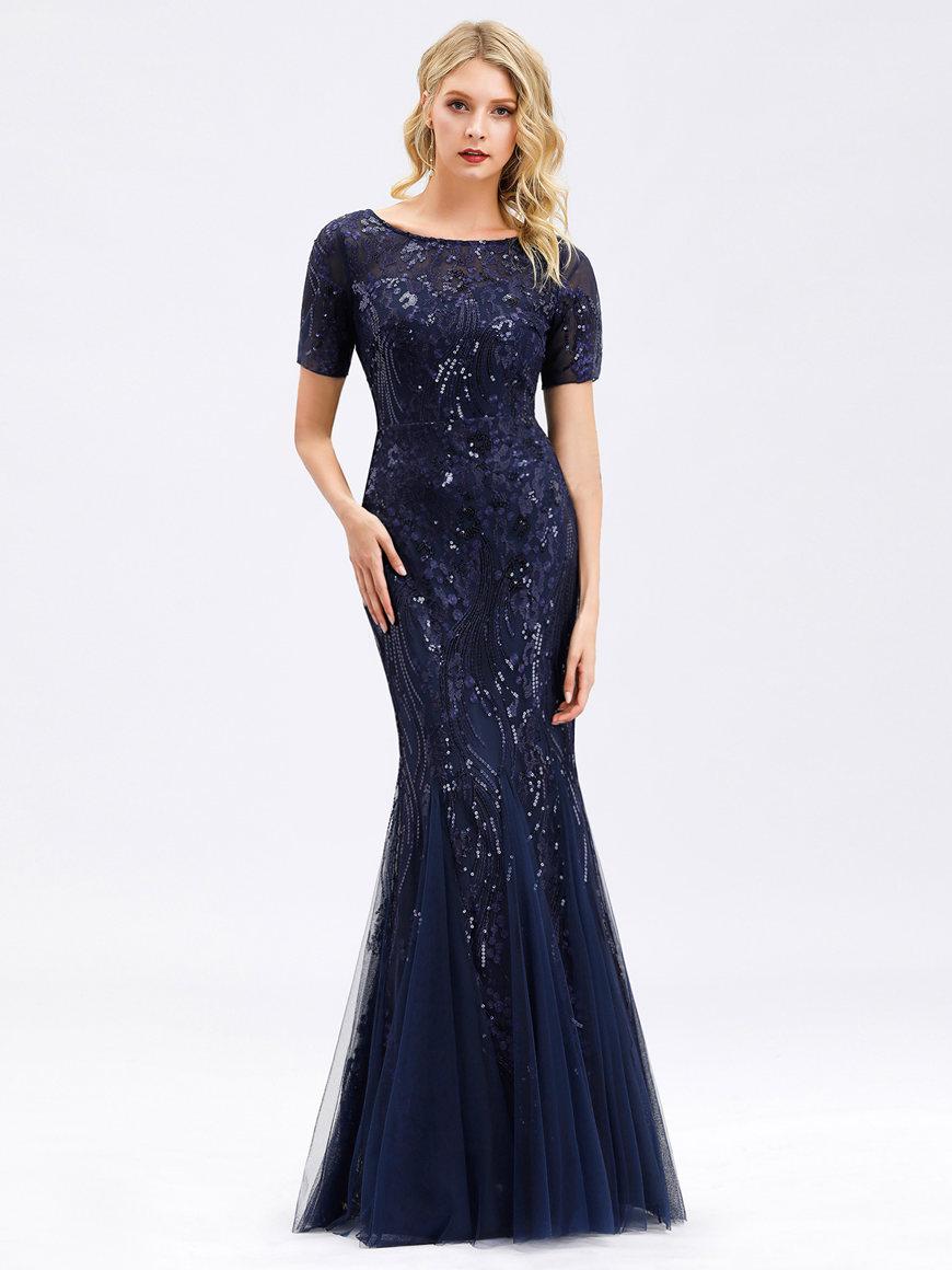 a-navy-blue-formal-dress