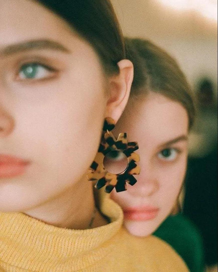 brown-acrylic-earrings