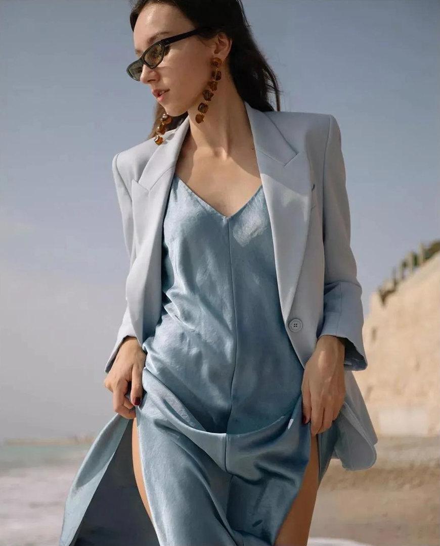 a-blue-silk-dress