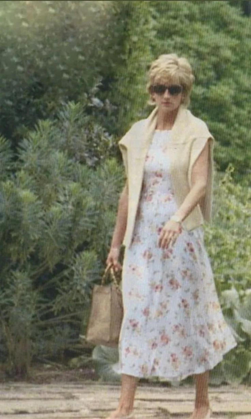 a-cardigan-and-a-floral-dress