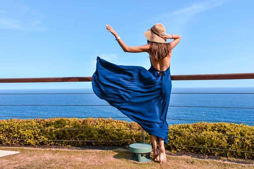 a-backless-navy-blue-dress