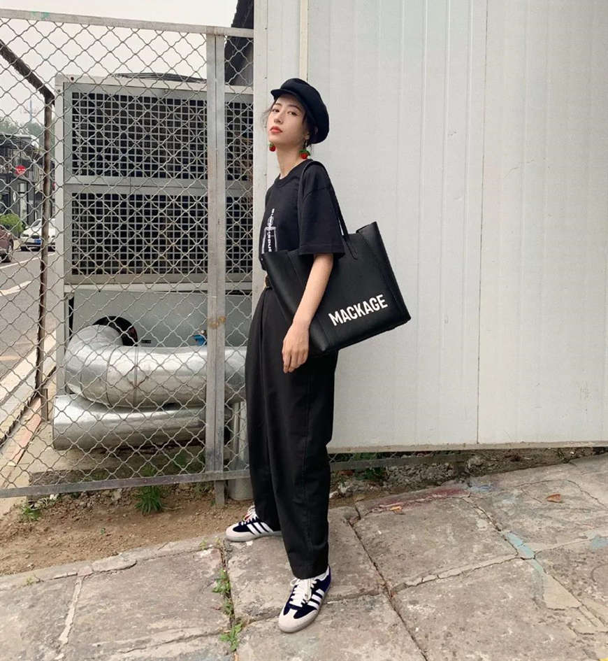 a-black-top-and-oversized-pants