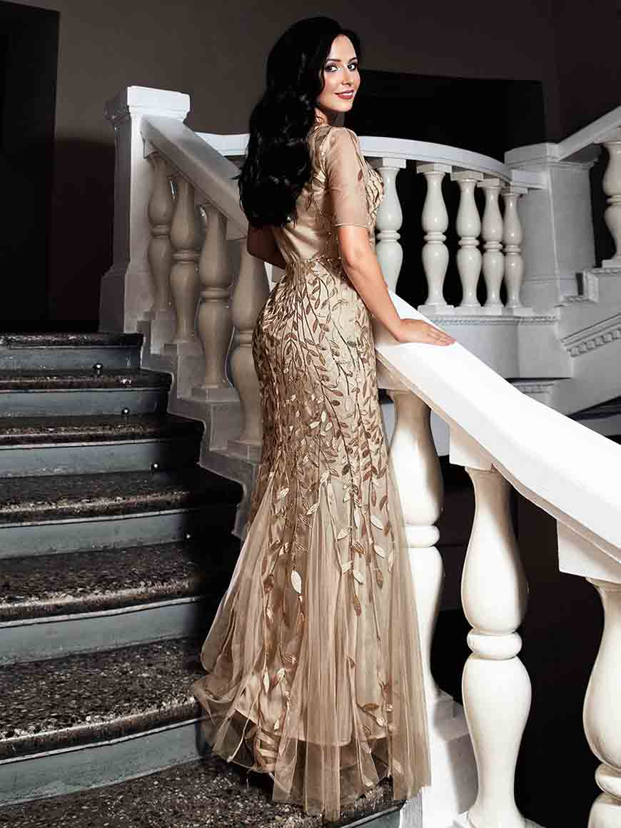 a-gold-dress