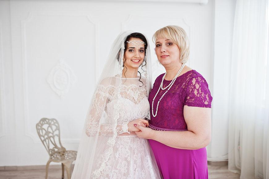 a-pretty-bride-and-her-mom