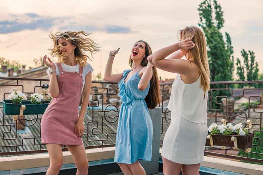 three-girls-wearing-the-homecoming-dresses