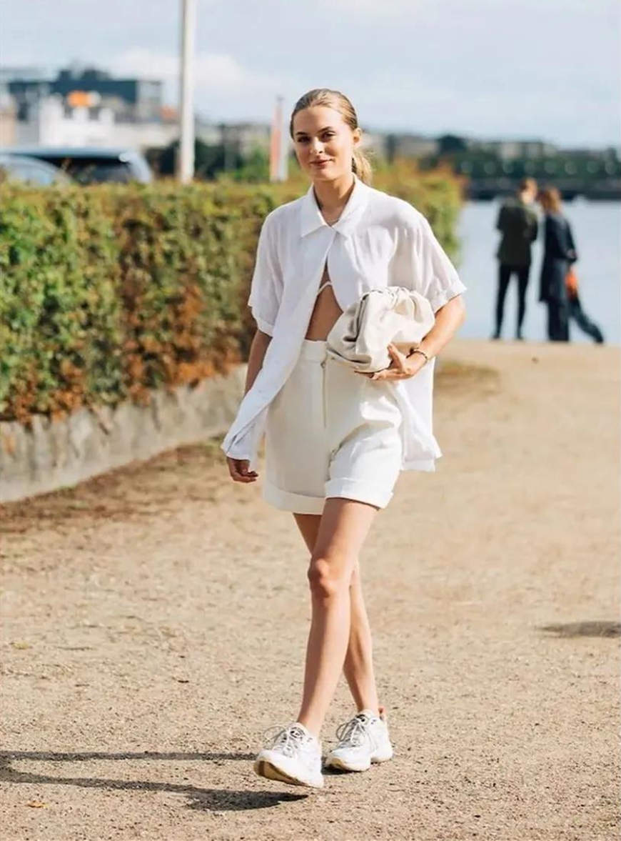 white-shorts-and-chunky-sneakers