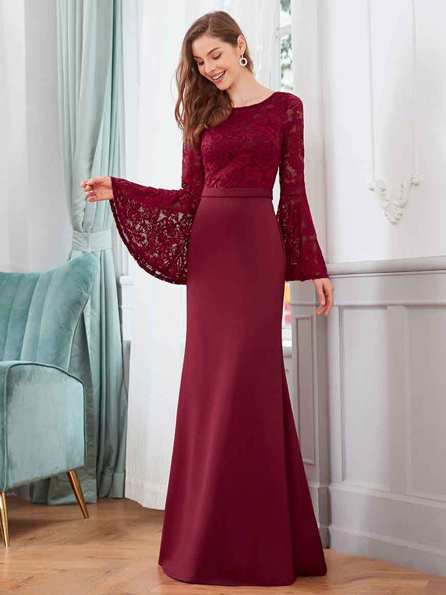 a-burgundy-bridesmaid-dress-with-long-sleeves