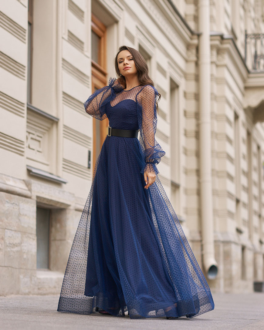 a-navy-blue-prom-dress