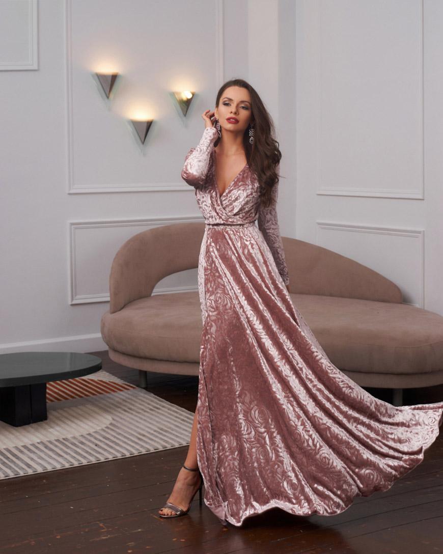 an-elegant-velvet-party-dress