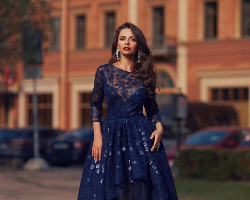a-blue-modest-prom-dress