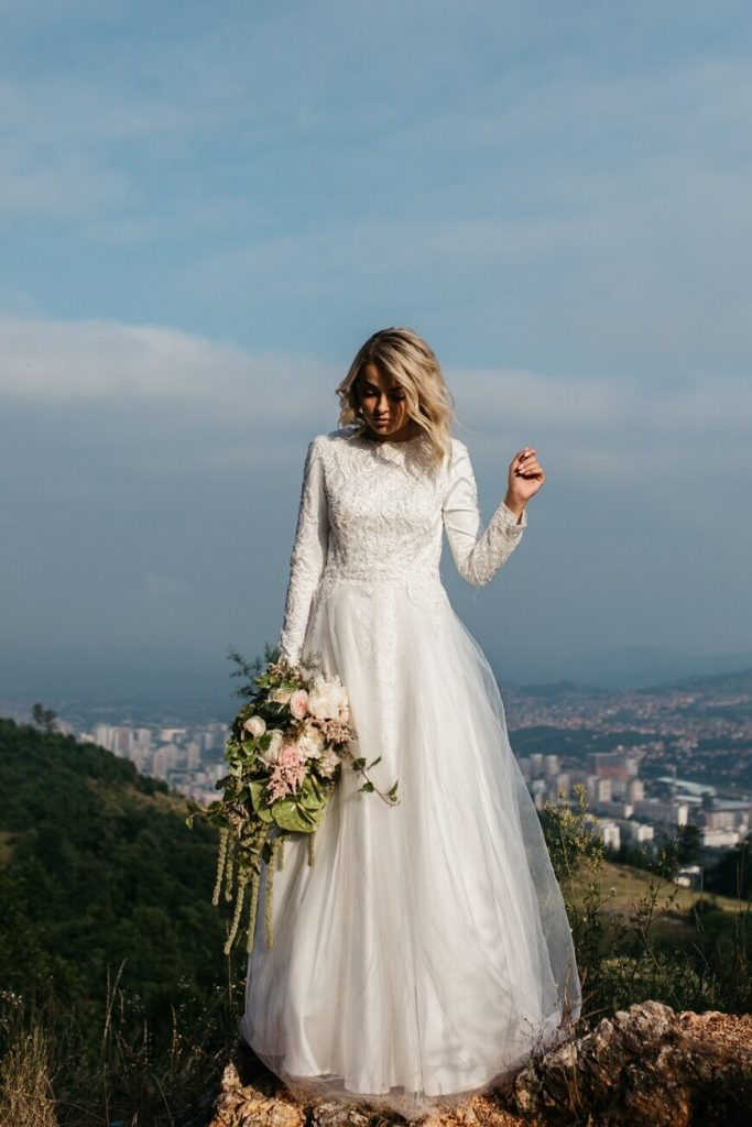 long-sleeves-simple-wedding-dresses