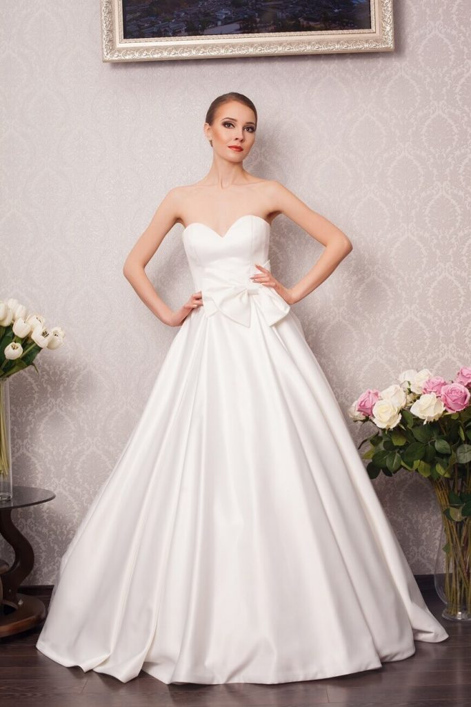 plain-fabrics-wedding-dresses