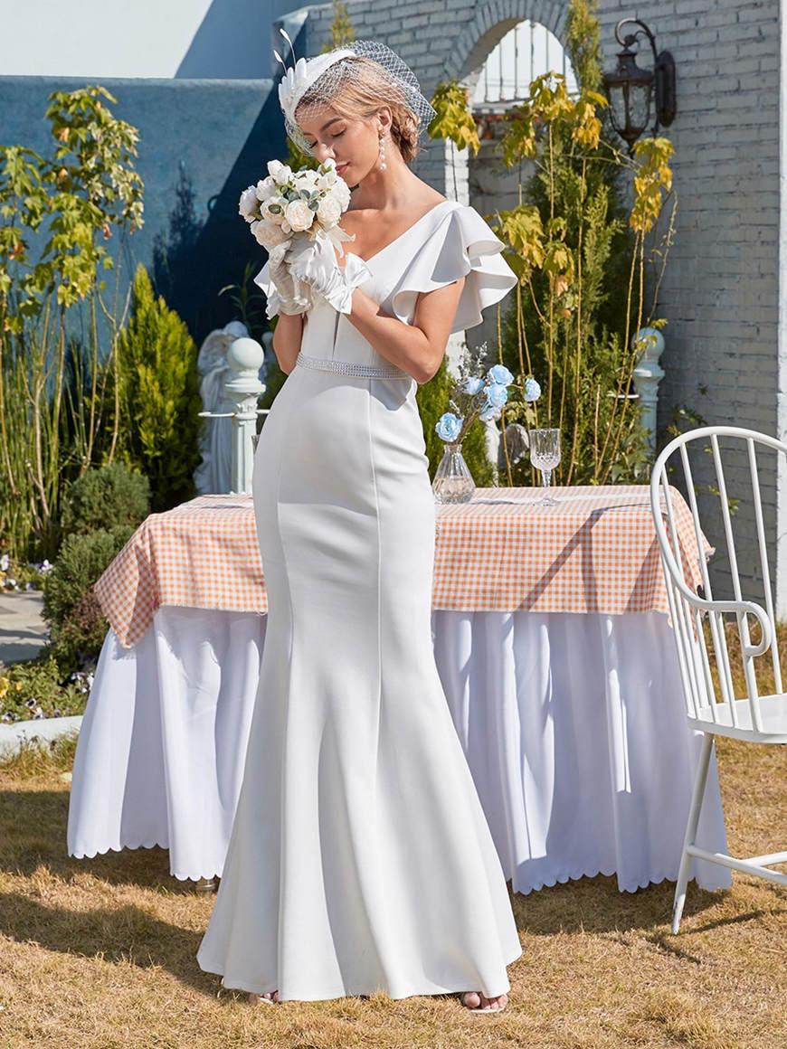 Elegant-Fishtail-Eloping-Wedding-Dress
