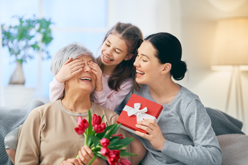 Granddaughter,-daughter-and-grandmother-on-Women's-Day
