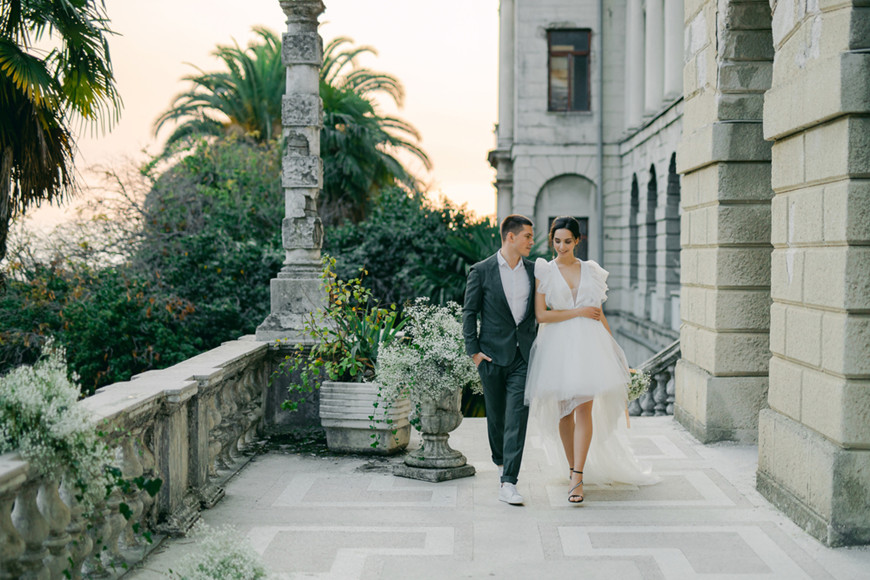 Modern-High-Low-Eloping-Wedding-Dress