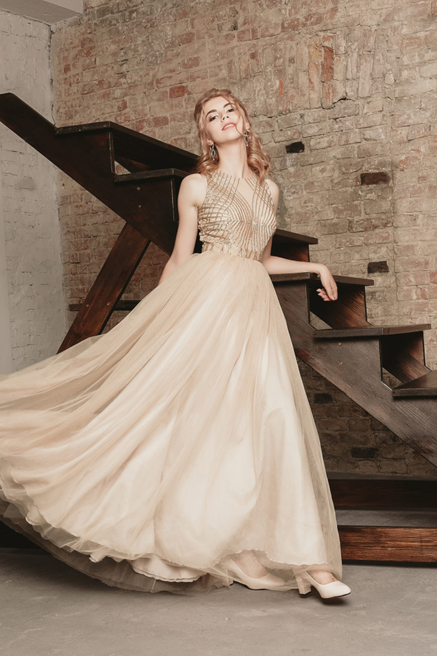 Romantic-Strapless-Prom-Dress