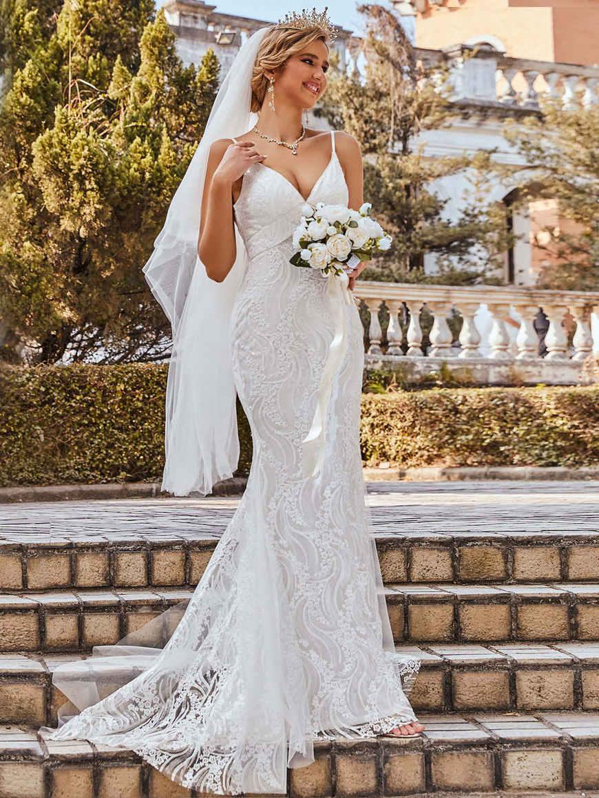 Spaghetti-Strap-V-Neck-Lace-Mermaid-Wedding-Dress