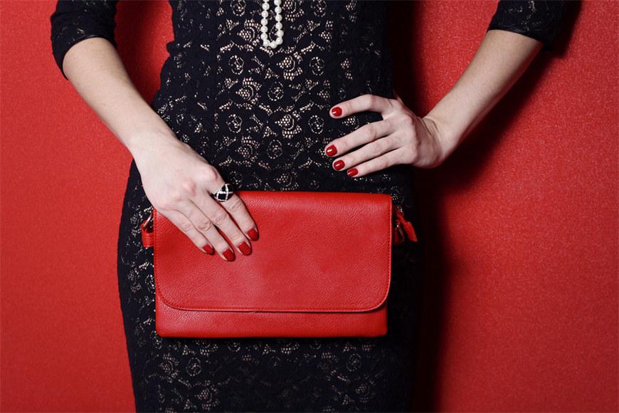 Never-neglect-the-purse