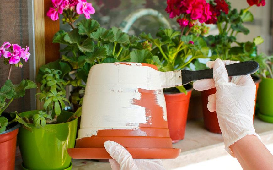 hand-painted-gardening-pot