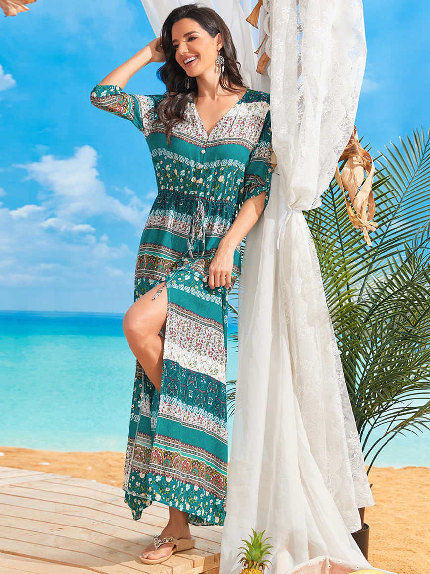 Bohemian-always-does-the-trick-at-the-beach