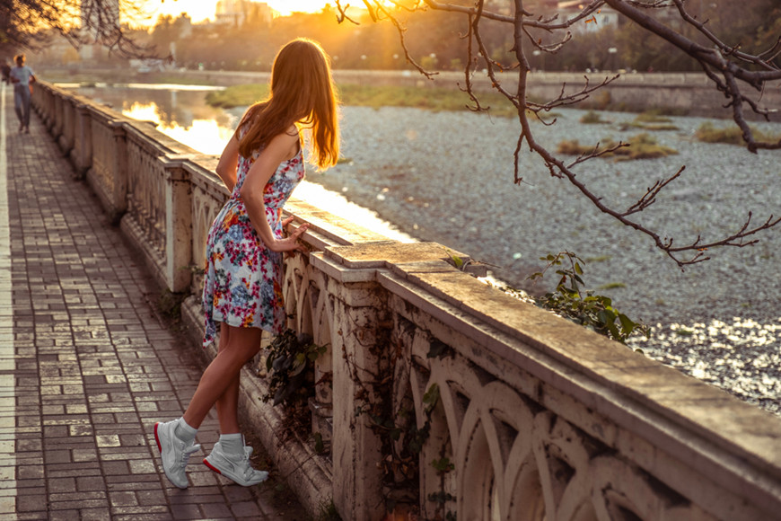 Floral-dress-with-sneakers