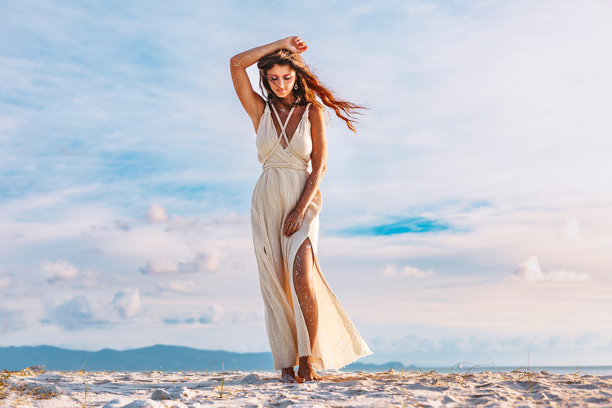 cut-on-the-leg-beach-wedding-dress