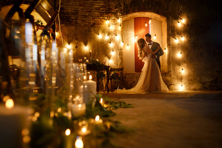 Fairy-lights-and-lanterns